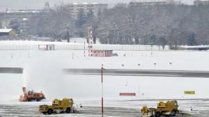 geneve gva neige 300x168 Aéroport de Genève: Perturbations du traffic à cause de la neige