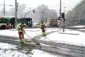 neige ville de geneve 300x203 Météo: La neige sur les routes genevoises, attention !